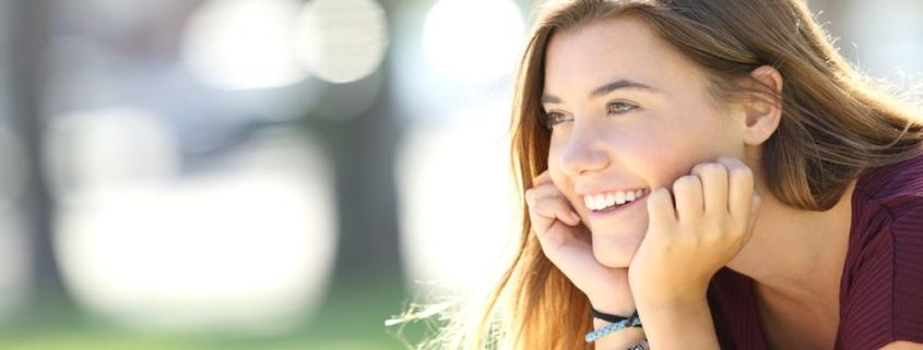 mosolygó lány